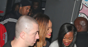 rihanna-naked-at-the-club